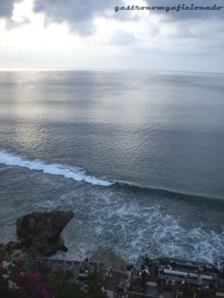 QuikSkoop™: The Rock Bar (Jimbaran, Bali) (2/3)