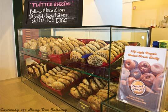 Restaurant Review: Bagel Bagel (Hang Out Jakarta, October 2011)