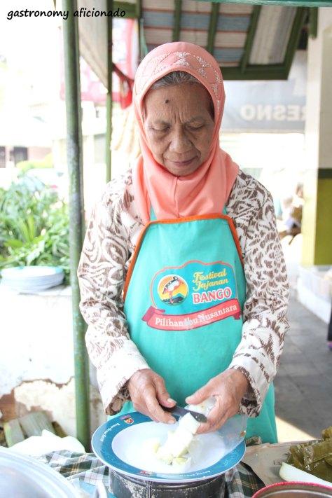 Kupat Tahu Gempol - Grandma Yayah