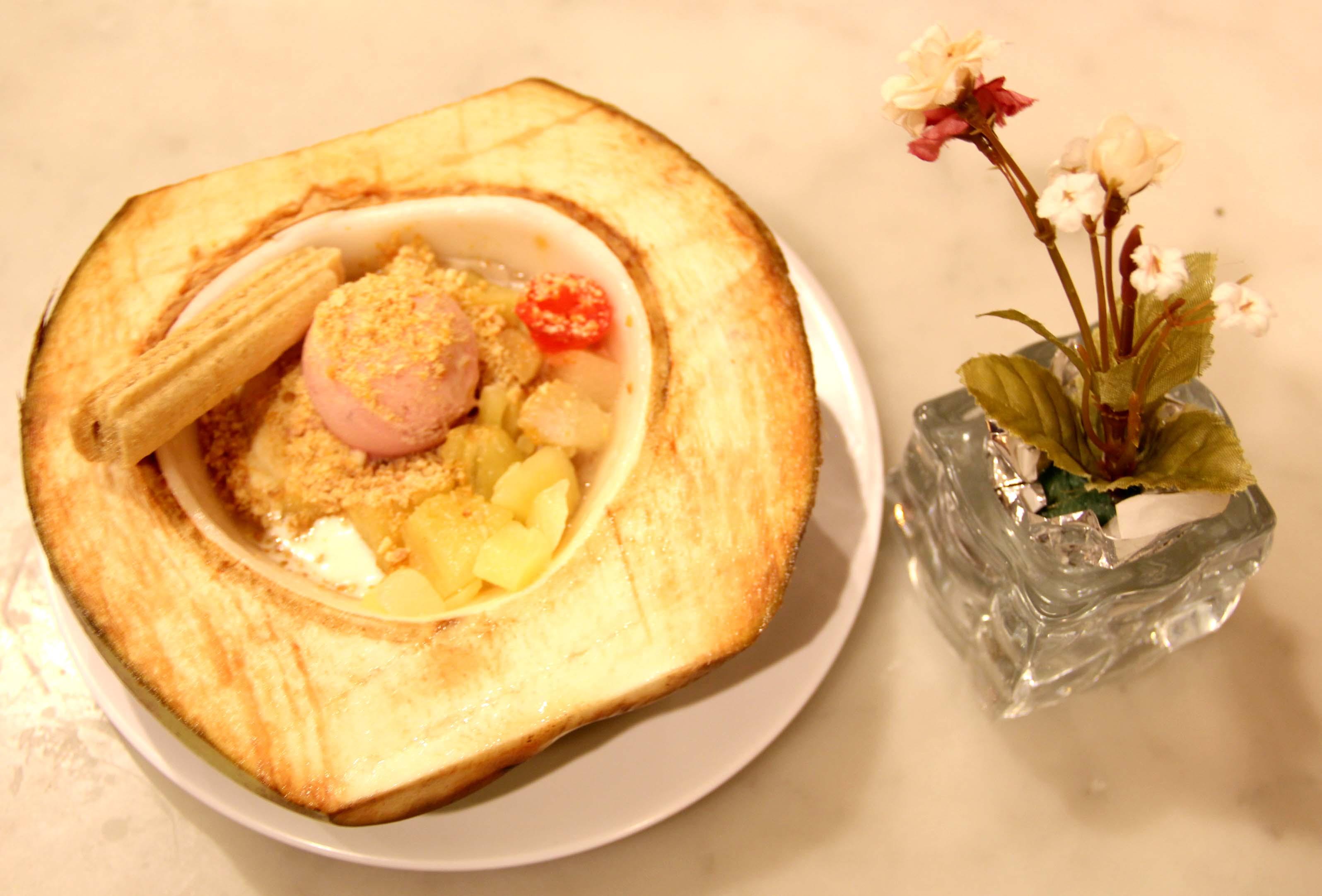 Ice Cream Parlor The Gastronomy Aficionado Liquid Lokal Es Puter Durian Rasa Coconut Royalethe Aficionadopt Interiorrasa Laksa And Cincaurasa Royale