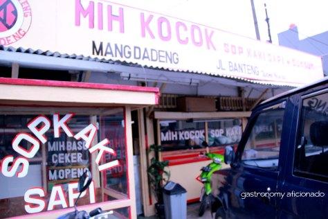 Mie Kocok Dadeng - Facade