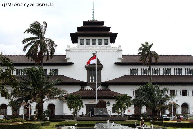Berburu Makanan Khas Kota Kembang (Linked, March 2013)