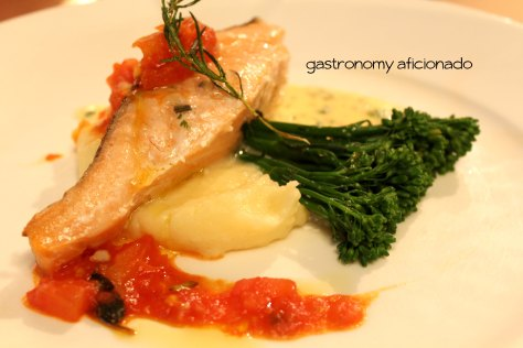 Pan-seared Salmon with mashed potato and tomato chutney