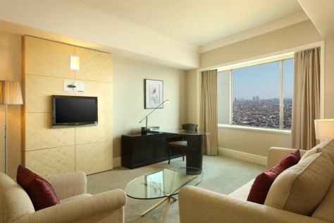 Sheraton Surabaya - Executive Suite Living Room
