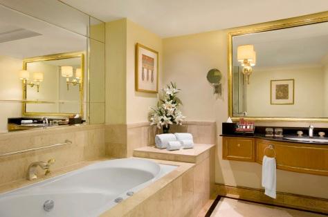 Sheraton Surabaya - Guest Bathroom