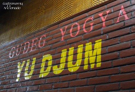 Gudeg Yu Djum - Signage
