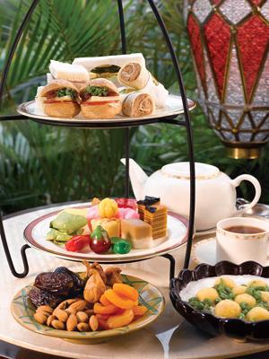 Lobby Lounge - Ramadhan High Tea Buffet 2011 03 (LowRes)