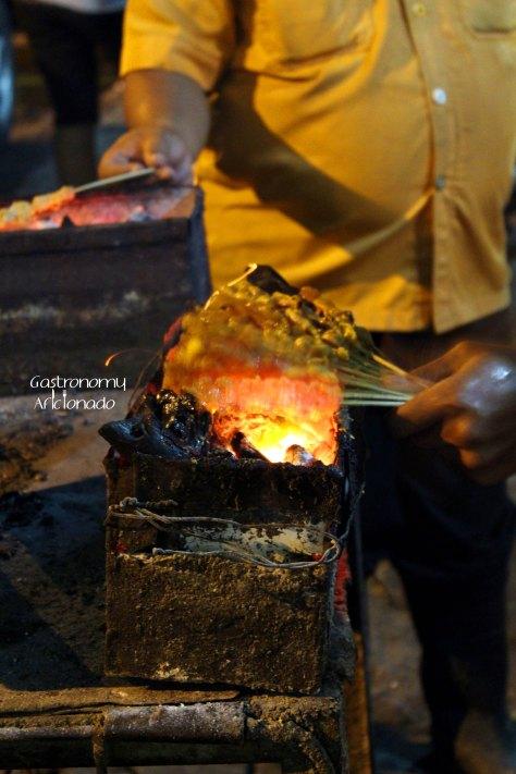 Sate Ayam Sinar Jaya - Grilling the satays