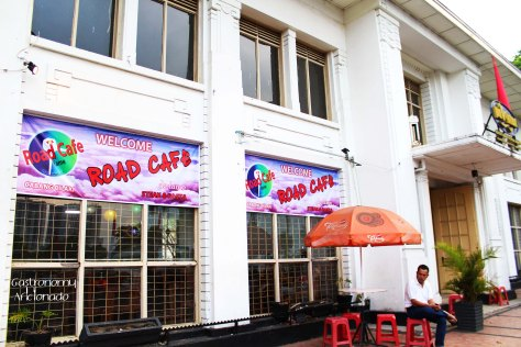 Road Cafe - Exterior