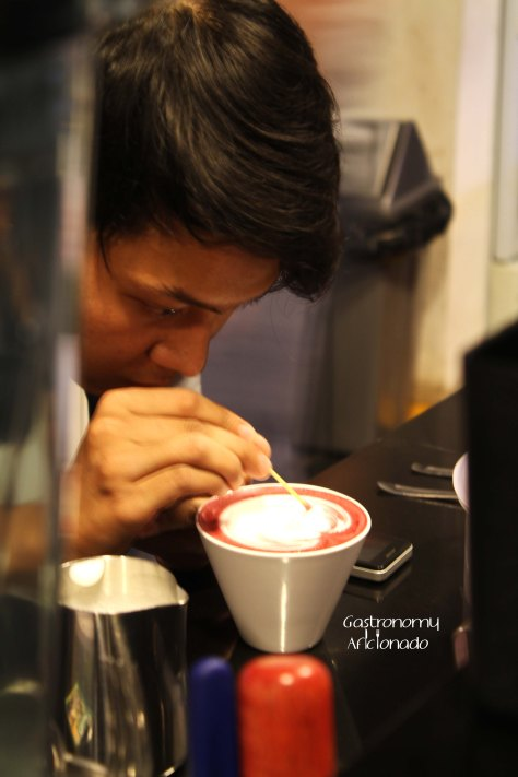 Han is playing with 3D Latte Art