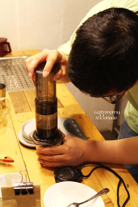 Yellow Truck Cafe - Brewing with Aeropress 2