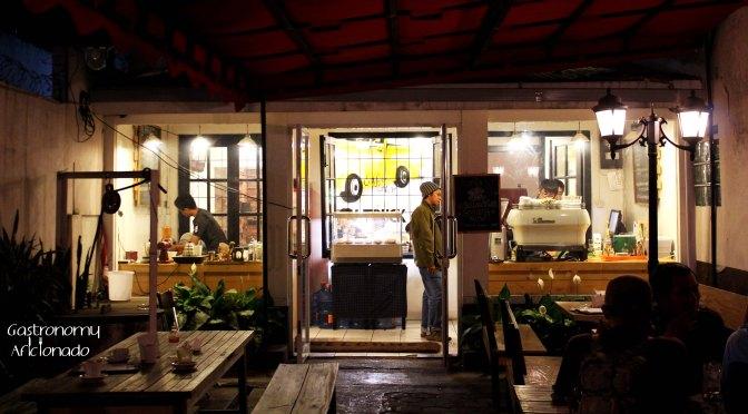Kahvehane: Yellow Truck Coffee & Tea Co.