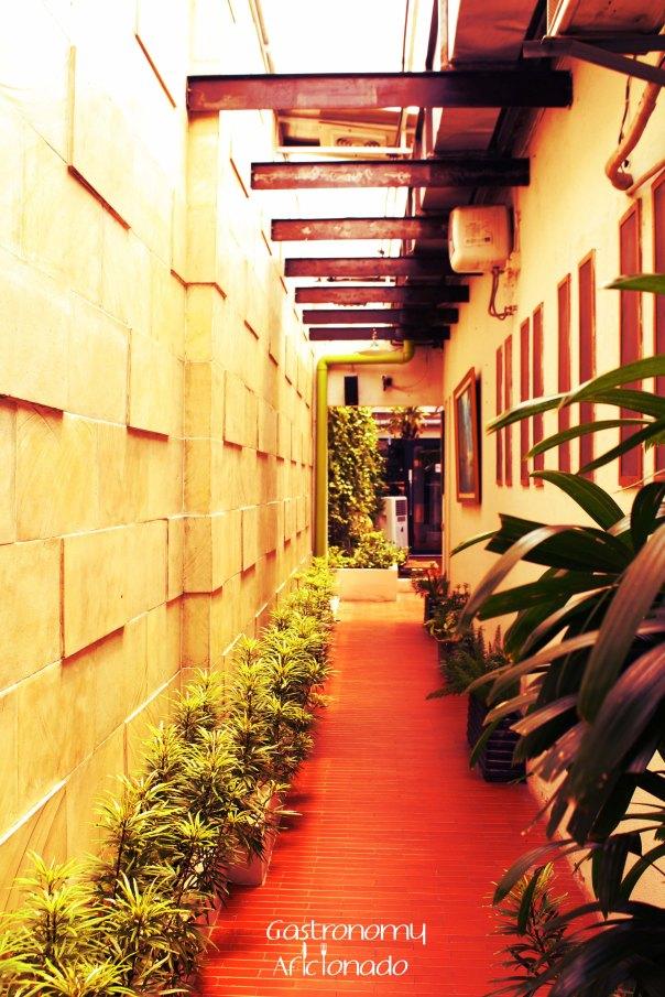 Giyanti - Alley