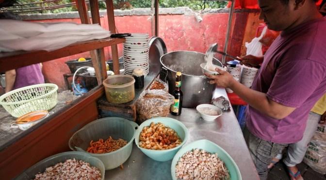 Taking It To The Streets: Bubur Ayam Barito (The Foodie Magazine, Feb 2014)