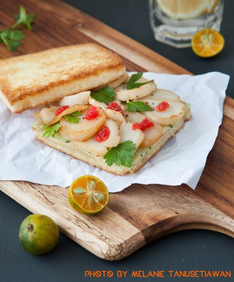 Pan-seared Scallop Sandwich