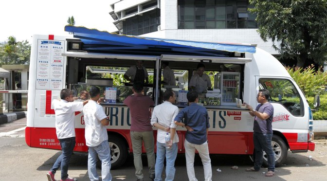 Taking It To The Streets: Jakarta Food Truck (The Foodie Magazine, Mar 2014)