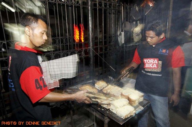 Taking It To The Streets: Roti Bakar Eddy (The Foodie Magazine, Apr 2014)