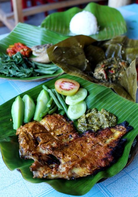 Ikan Bakar Bang Themmy - Ikan Bakar Saos Padang