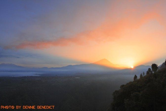 The Escapist's Getaway™: Bandung – Tebing Keraton (Venture Travel Magazine, Oct 2014)