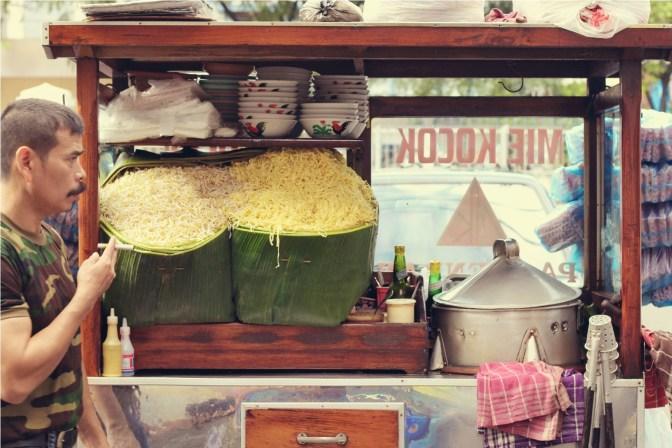 Taking It To The Streets: Mie Kocok Pak Haji Endan (The Foodie Magazine, Jan 2015)