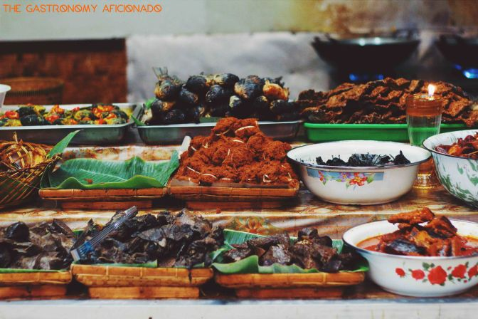Taking It To The Streets: Nasi Bancakan (The Foodie Magazine, Aug 2015)