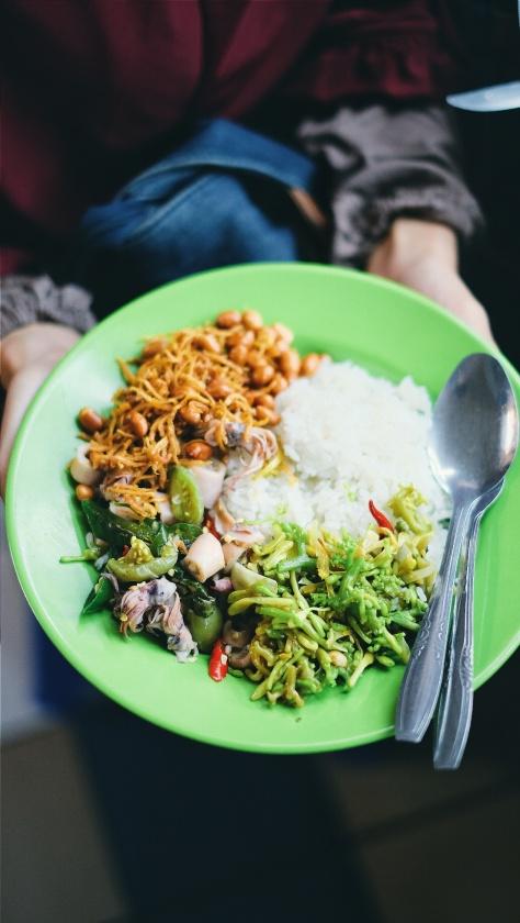 Makan di Pasar Tebet (4)