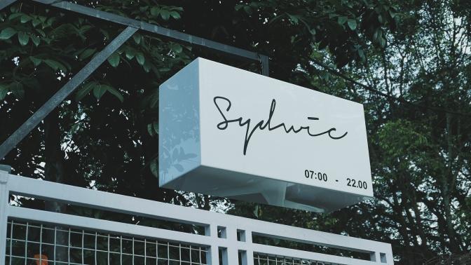 Sydwic, The Whitewashed Hipster Kahvehane from Bandung