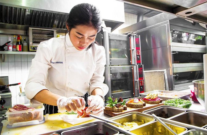 Chef Putri Mumpuni: The Relentless Pursuer of Knowledge (Passion, 2017)