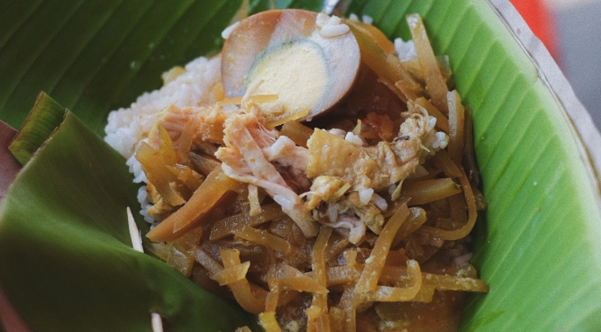 Street Food: Nasi Ayam Bu Nyoto, Semarang